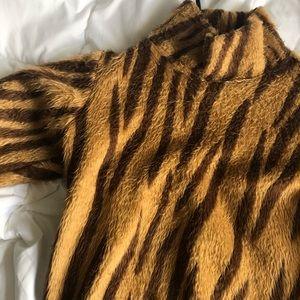 Giraffe Printed Sweater